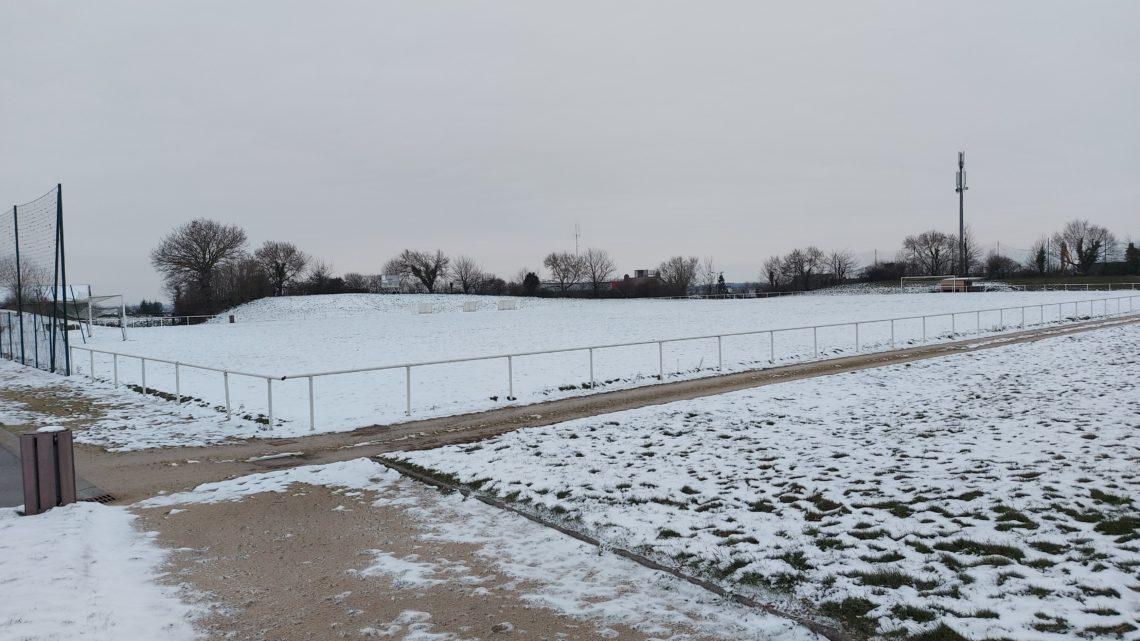 La neige s'invite sur nos terrains !
